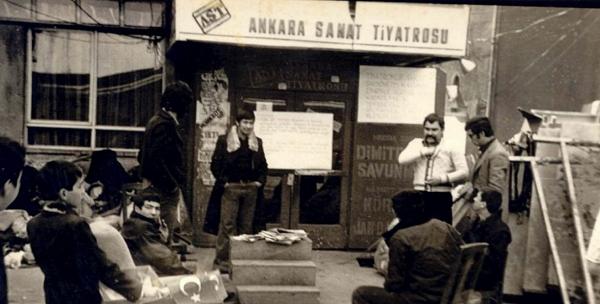 Ankara Sanat Tiyatrosu'yla Dayanışma ve Mücadele Çağrısı